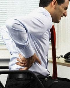 Ergonomiske kontorstole hjælper på skade i lænnen